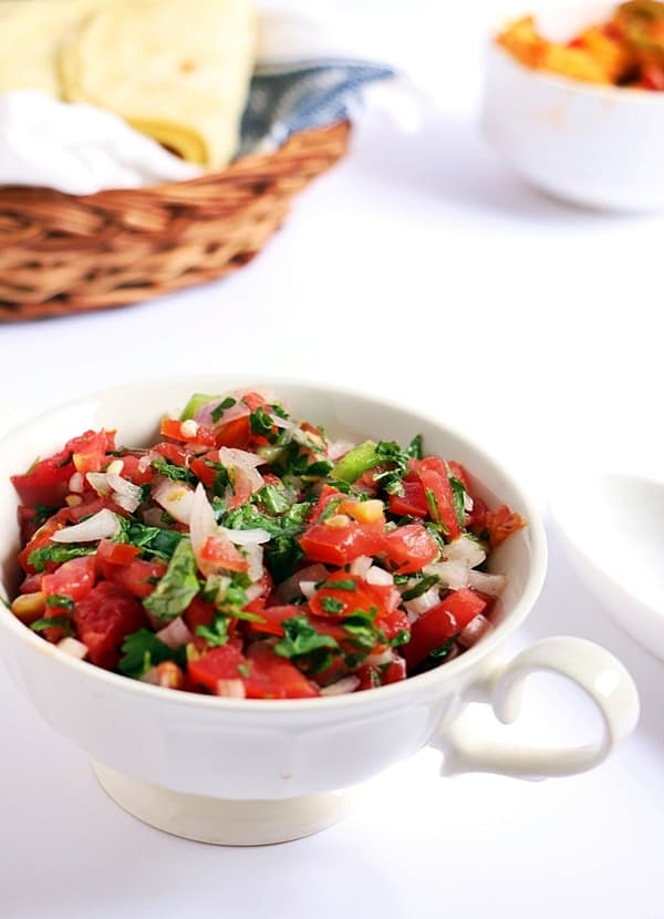 Fresh tomato salsa recipe | easy Mexican recipes