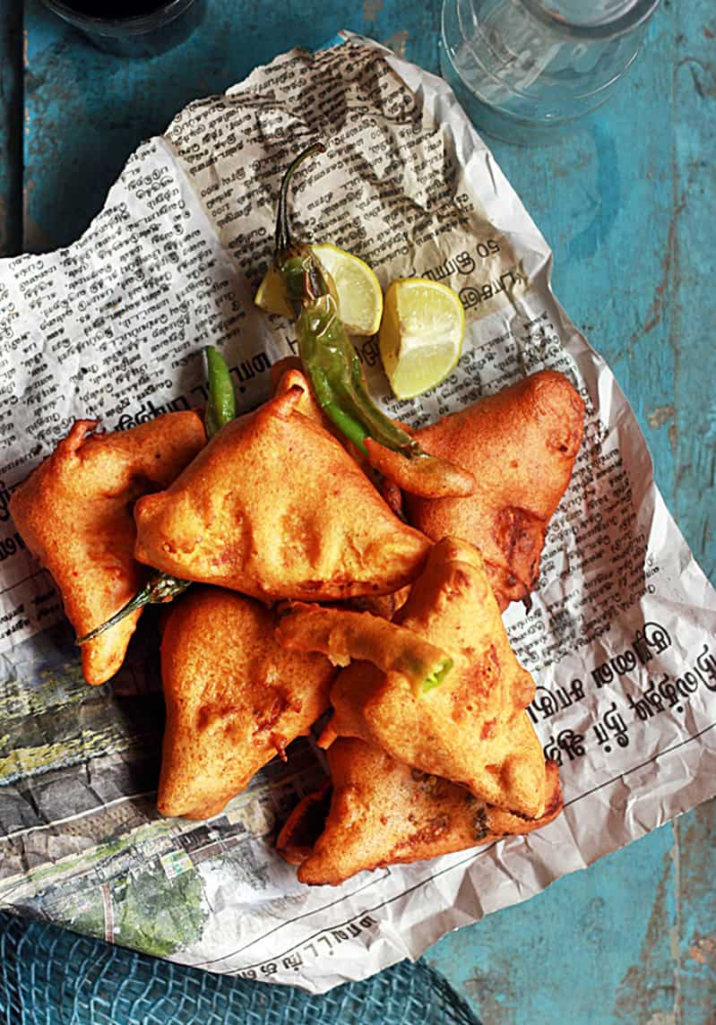 Bread pakora recipe with potato stuffing | Stuffed bread pakora recipe