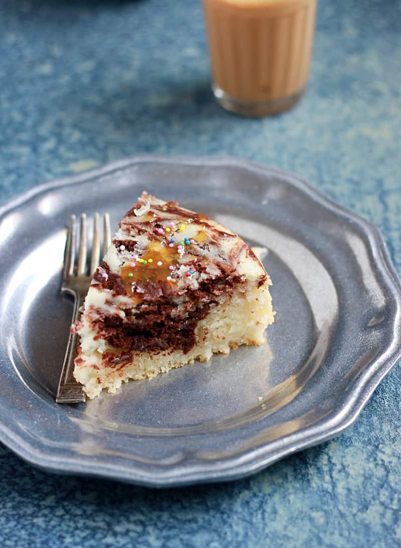 chocolate vanilla cake recipe | Moist chocolate vanilla ...