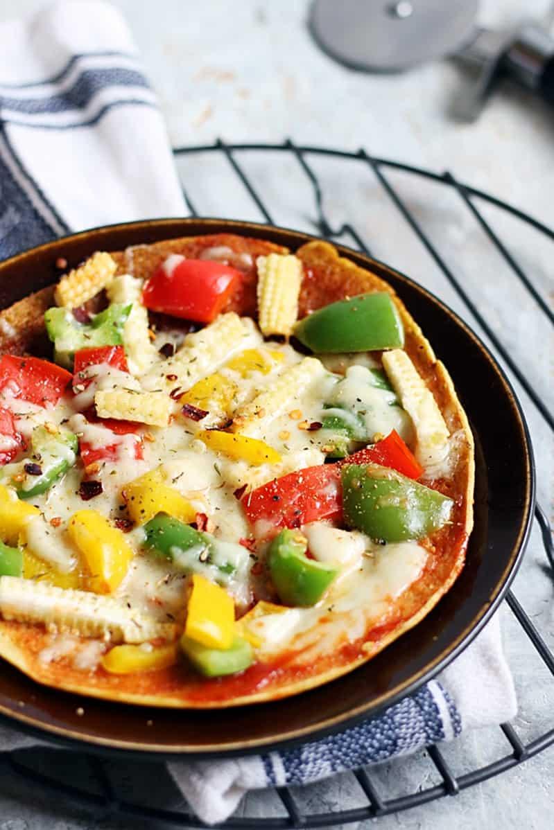 Besan chilla pizza recipe | Gluten free no yeast pizza recipe