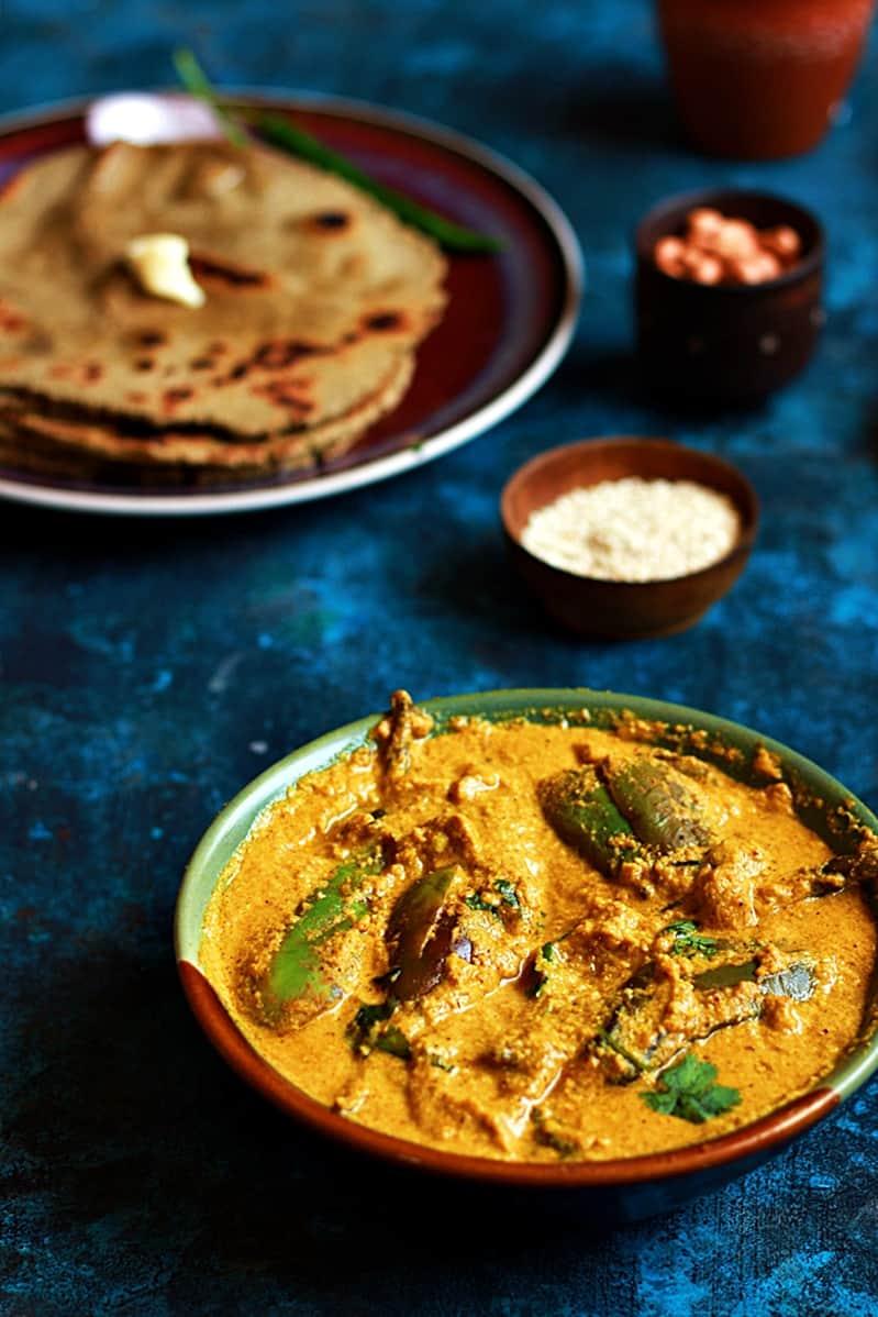Bharli vangi recipe | How to make bharli vangi recipe, stuffed eggplants curry recipe