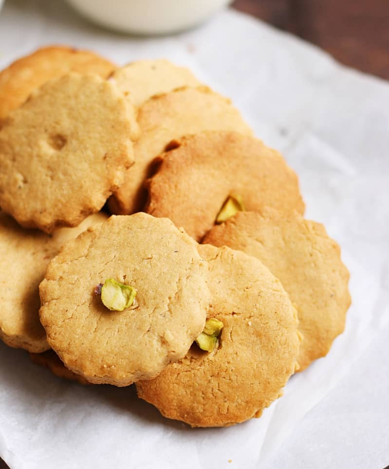 eggless butter cookies recipe | whole wheat butter cookies recipe with saffron