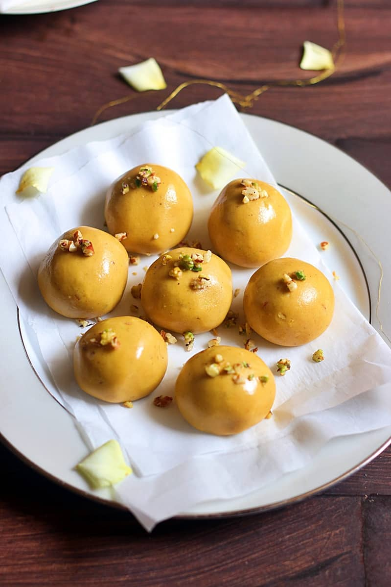 besan ladoo recipe, how to make besan ladoo recipe | Besan laddu recipe