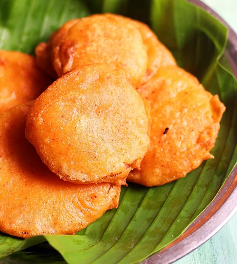 vengaya bajji recipe, how to make onion bajji | Onion bajji recipe