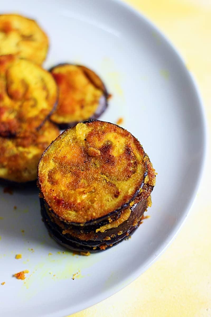 Begun Bhaja recipe | Eggplant tava fry recipe | baingan bhaja recipe