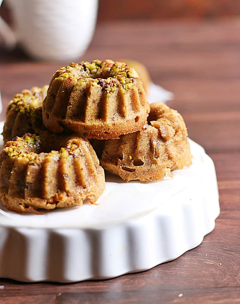 Date walnut cake recipe, eggless dates and walnut cake recipe