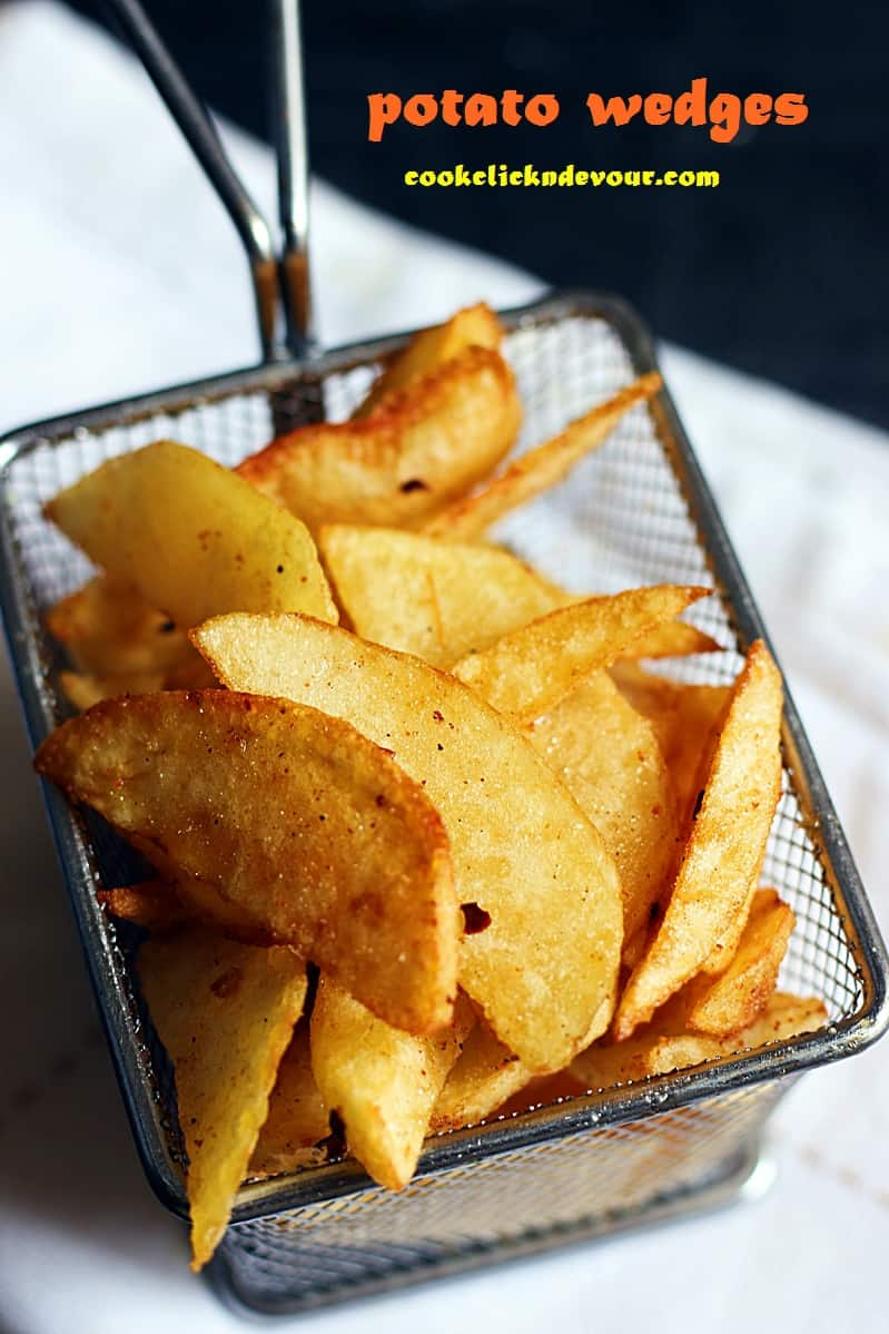 Potato wedges recipe, how to make baked and fried potato wedges recipe